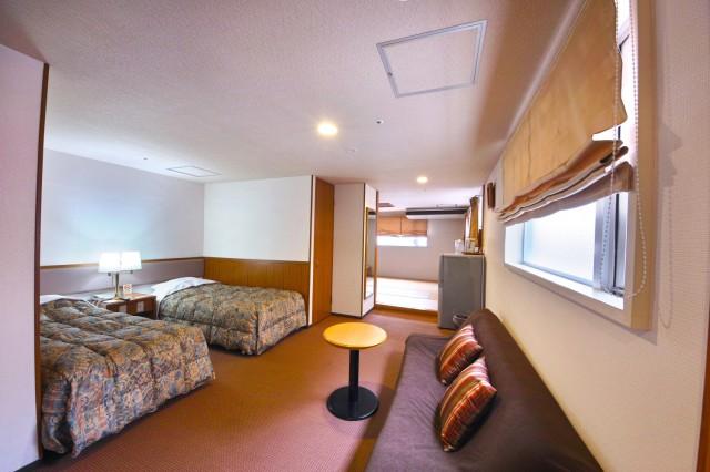 hotelyamanouchi_room_famib1