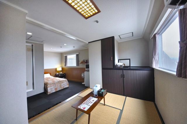 hotelyamanouchi_room_wayo1